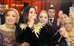صور.. سامو زين وبوسي في زفاف أحمد ونشوى