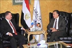 وزير النقل يبحث مع سفير بنما في القاهرة سبل التعاون في المجال البحري