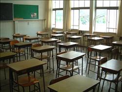 60 منضدة ومقعدا مدرسيا من المنطقة الجنوبية العسكرية لتعليم الوادي الجديد