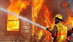 السيطرة على حريق هائل بمخزن أخشاب بأسيوط