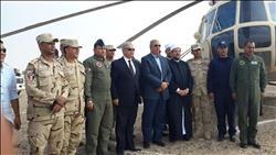 وزير الأوقاف يغادر من حلايب للقاهرة بطائرة حربية
