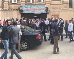 رصاص يخترق باب كنيسة مارمينا وينفذ إلى صورة «البابا كيرلس»| صور
