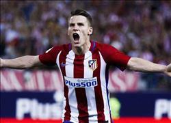 اتليتكو مدريد يفوز على الأهلي بثلاثة أهداف مقابل هدفين
