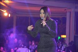 صور.. محمود الليثي وبوسي يشعلان أولى حفلات 2018