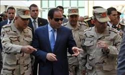 القوات المسلحة في 2017 .. «يد تبني ويد تحمل السلاح»