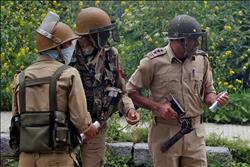 مقتل 4 من رجال الشرطة الهندية في انفجار قنبلة بإقليم كشمير
