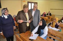 محافظ الإسماعيلية يتفقد لجان امتحانات الإعدادية