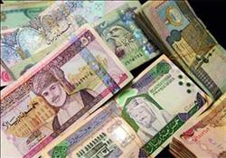 استقرار في أسعار العملات العربية .. والدينار الكويتي يتراجع إلى58.47