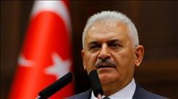 رئيس وزراء تركيا يتوقع أن تتسبب الحملة العسكرية بإدلب في موجة نزوح جديدة بسوريا