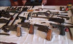 ضبط 5 قطع سلاح بحوزة صاحب «مقلة لب» ببولاق الدكرور