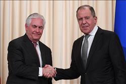 السفير الأمريكي لدى موسكو: يُرجى الترتيب للقاء يجمع لافروف بتيلرسون
