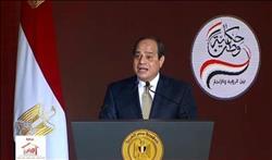 «السيسي» يدعو حضور «حكاية وطن» للوقوف تحية للمصريين