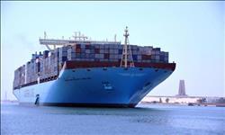 عبور 50 سفينة قناة السويس بحمولة 3.2 مليون طن
