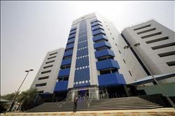 السودان يبدأ تطبيق السعر الرسمي الجديد لعملته المحلية بتخفيض 200%