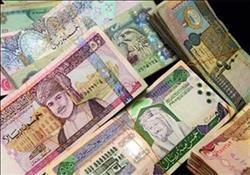 أسعار العملات العربية اليوم.. والدينار الكويتي بـ58.73 جنيه