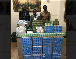 ضبط 3 سودانيين يجمعون الأدوية المدعمة لتهريبها