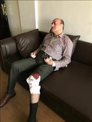 الصور الأولى للمستشار جنينه عقب إصابته في مشاجرة