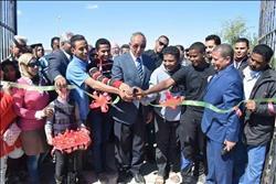 محافظ البحر الأحمر يفتتح الملعب القانوني بمركز شباب مرسي علم