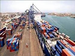 تداول 27 سفينة بضائع عامة وحاويات بموانئ بورسعيد