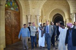 محافظ البحر الأحمر يسلم 63 وحدة سكنية لأهالي حماطة والشيخ الشاذلي