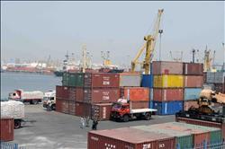 نشاط كبير في حركة السفن والشاحنات بميناء الإسكندرية