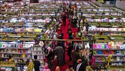 الملحق الثقافي الياباني يشتري اسطوانات بيتهوفن من جناح الأوبر بمعرض الكتاب