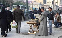 «الإسعاف» في قبضة الباعة الجائلين.. ورصيف نقابة المحامين «سوق شعبي»