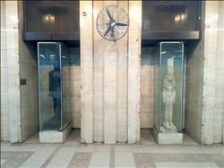 عودة التماثيل الفرعونية إلى محطة مترو السادات