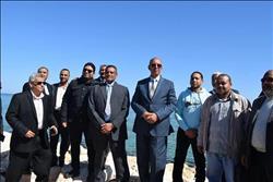 محافظ البحر الأحمر يتفقد مشروع حماية الشواطئ بسفاجا