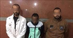 القبض على 3 عاطلين بحوزتهم كمية من الهيروين