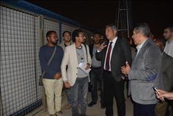 عبدالعزيز يتفقد مشروع إنشاء مركز شباب الأسمرات