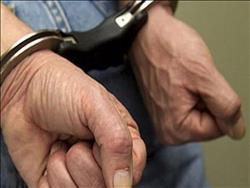 ضبط شقيقين لاتهامهما بالاتجار بالمخدرات والأسلحة بأطفيح