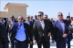 «وزير النقل» يتفقد الطريق الدائري بالغردقة وموقف النقل الثقيل بسفاجا