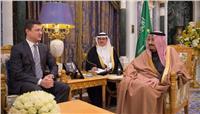 الملك سلمان ووزير الطاقة الروسي يتفقان على التعاون في مجال النفط
