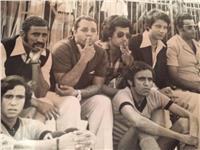 صورة نادرة لمرتضى منصور وهو بجوار «شحتة» لتشجيع الدراويش
