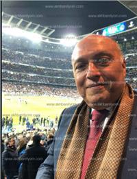 وزير الخارجية يلتقط «سيلفي» في مباراة ريال مدريد وباريس سان جيرمان