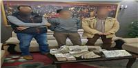 القبض على تجار عملة بحوزتهم مليون و200 ألف بالقاهرة