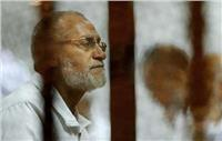 """بدء جلسة إعادة محاكمة بديع و46 متهما في أحداث """"قسم العرب"""""""