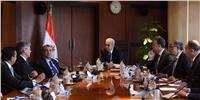 رئيس الوزراء: الدولة حريصة على تطوير الخدمات الفنية على الطرق السريعة