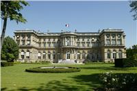 فرنسا: على إيران الامتثال لحظر السلاح المفروض على اليمن