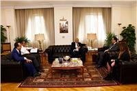 وزير الإسكان يبحث مع نجيب ساويرس فرص الاستثمار العقاري بالمدن الجديدة
