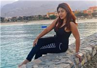 صورة| نرمين ماهر تتألق بأفيش فيلمها الجديد «مطربين عن الطعام»