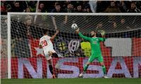 دي خيا ينقذ مانشستر يونايتد من الهزيمة أمام إشبيلية