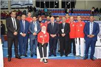 الفار يشارك في تتويج أبطال التايكوندو في بطولة مصر الدولية