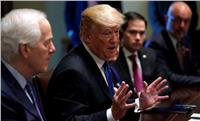 ترامب يجتمع مع نواب من الحزبين الجمهوري والديمقراطي لبحث قضية السلاح