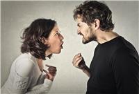 احذري.. «الزن» يُشعر الرجل بأهميته ويدفعه للخيانة