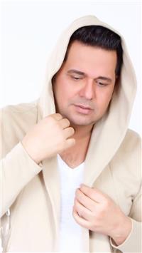 حاتم العراقي يعود لنشاطه الفني بحفلين في الإمارات