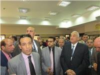 عاشور يصل مجمع محاكم بنها لترأس هيئة الدفاع عن «محامين شبين القناطر»
