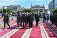 محافظ وقيادات الإسكندرية يضعون أكاليل الزهور على النصب التذكاري للشهداء