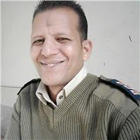 مدير أمن سوهاج يكرم أمين شرطة أنقذ سيدة من الموت